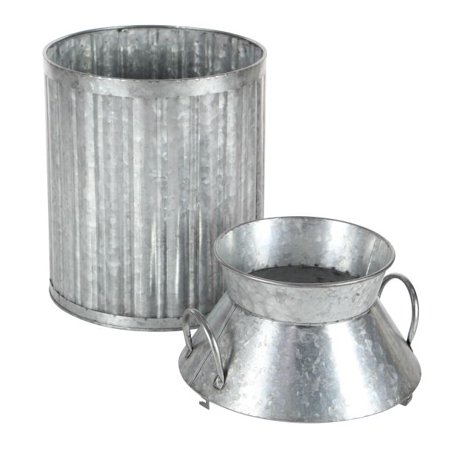 Decmode Farmhouse 13, 17 And 19 Inch Metal Milk Jugs, Gray - Set of 3
