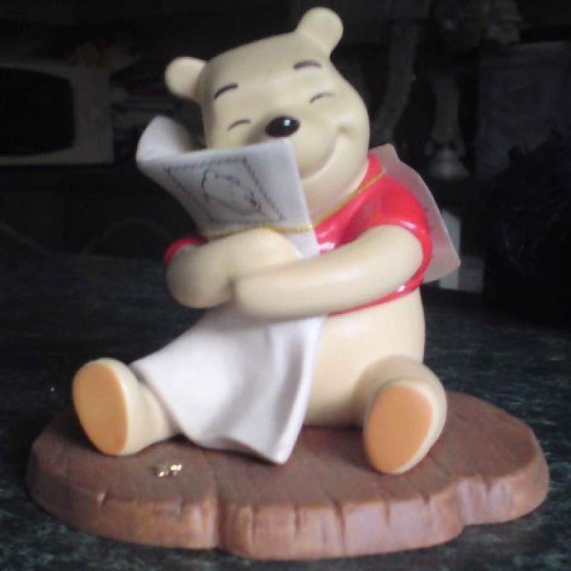 Disney Pooh And Friends Sending Hugs Porcelain Statue. by