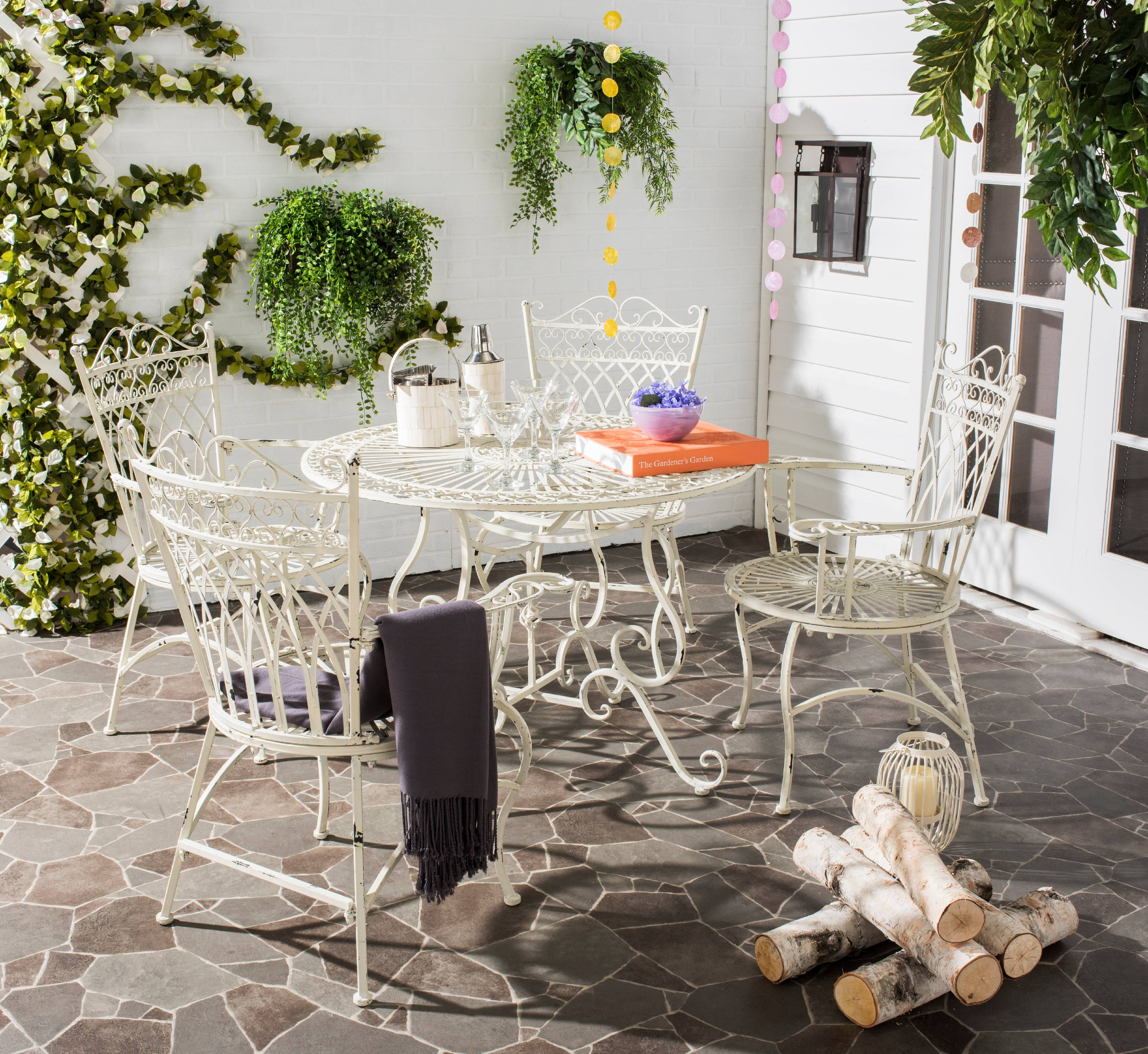 Safavieh Thessaly Outdoor Traditional 5 Piece Dining Set
