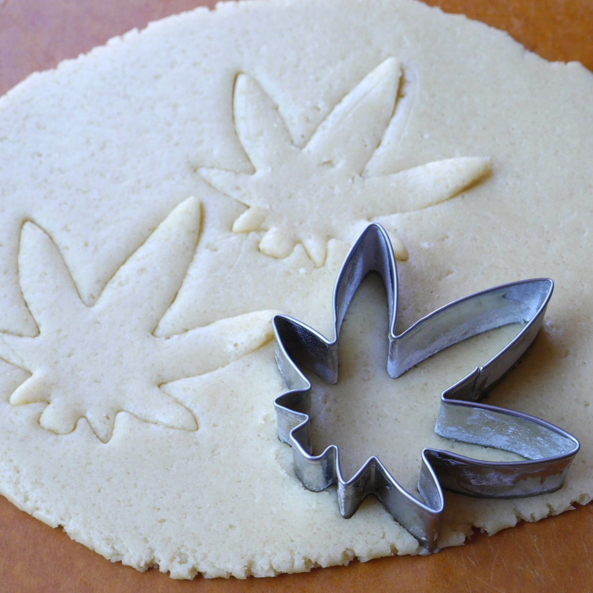 Cannabis Weed Leaf Cookie Cutter 01Play doughFondant Cake Decorating