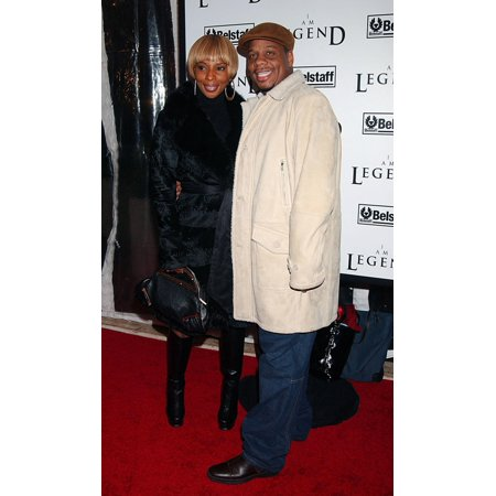 Mary J Blige Kendu Isaacs At Arrivals For Premiere Of I Am Legend Wamu Theatre At Madison Square Garden New York Ny December 11 2007 Photo By Kristin CallahanEverett Collection (Madison Art Trading Ny The Storage Collection)