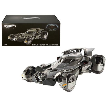 "Dawn of Justice Batmobile From ""Batman vs Superman"" Movie Elite Edition 1/18 Diecast"