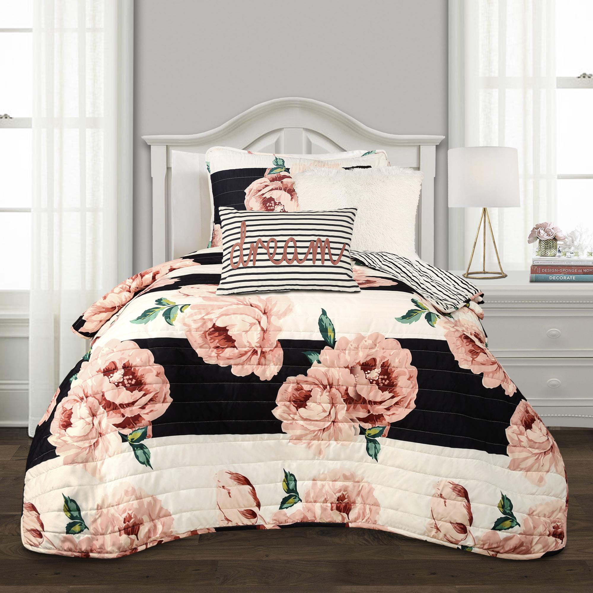 Amara Floral 4-Piece Quilt Set