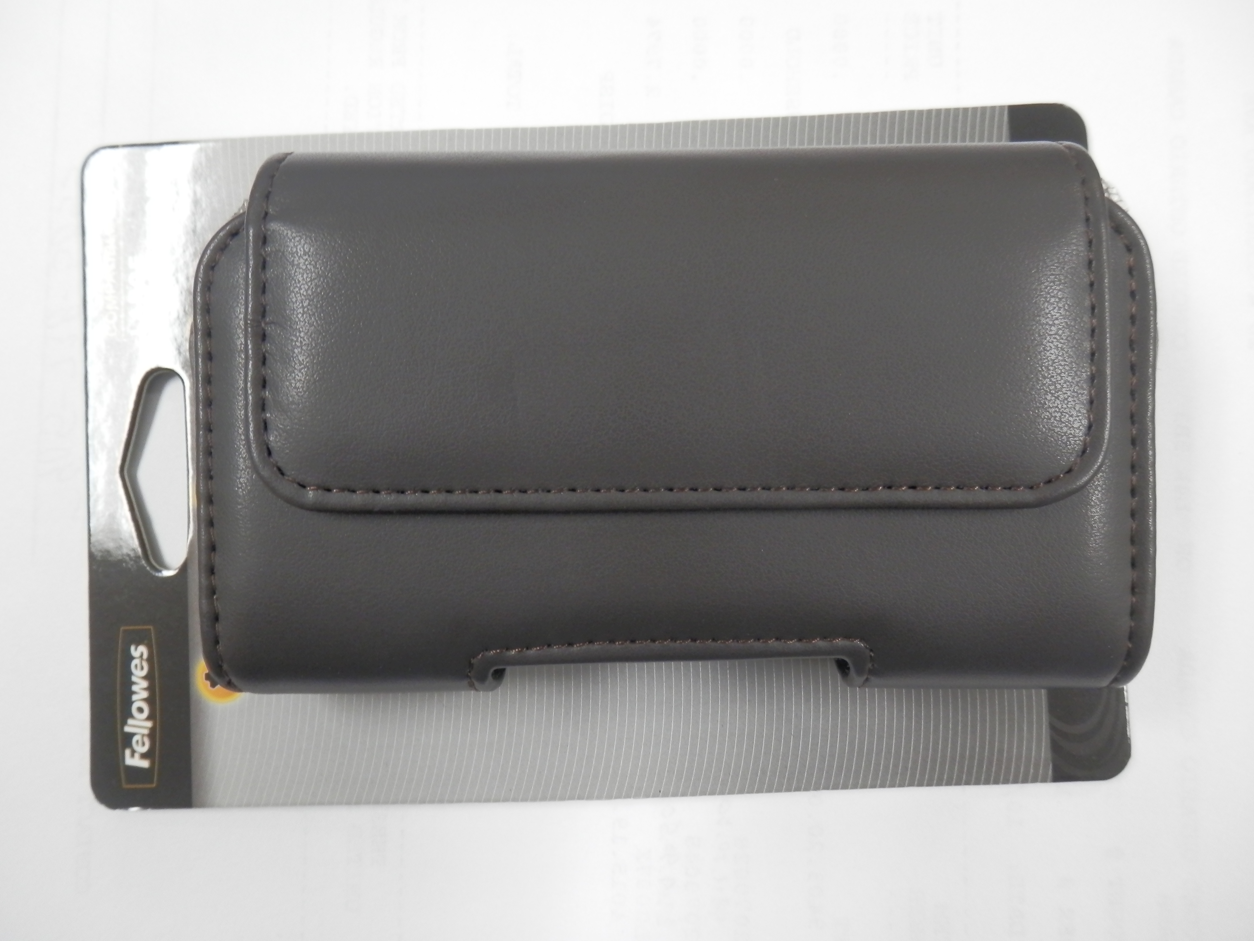 Body Glove Landmark Universal Horizontal Case for Apple iPhone 5s Chocolate by Body Glove