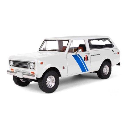 1979 International Scout Traveler Truck IH Dealer 1/25 Diecast Model by First Gear