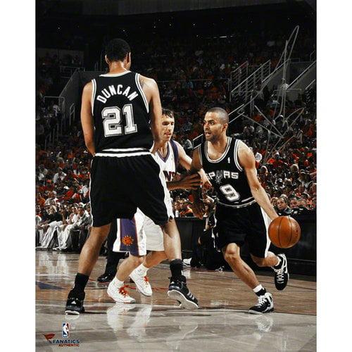 NBA - Tony Parker San Antonio Spurs Autographed 16x20 Pick and Roll Photograph