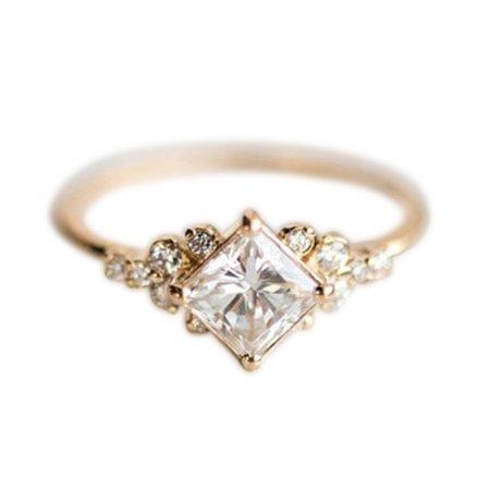 GeweYeeli Gold Vintage Square Zircon Ring Fashion Sparkly Crystal Rhinestone Studded Ring Wedding Jewelry