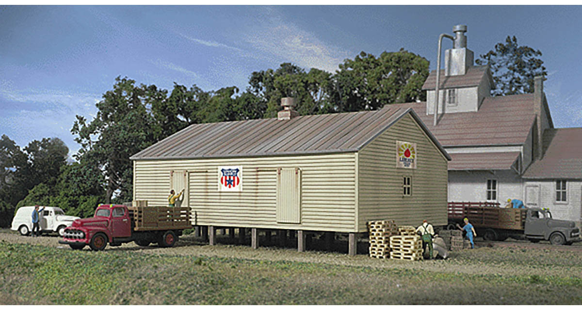 Walthers Cornerstone N Scale Building/Structure Kit Co Op Storage Shed  Pilings
