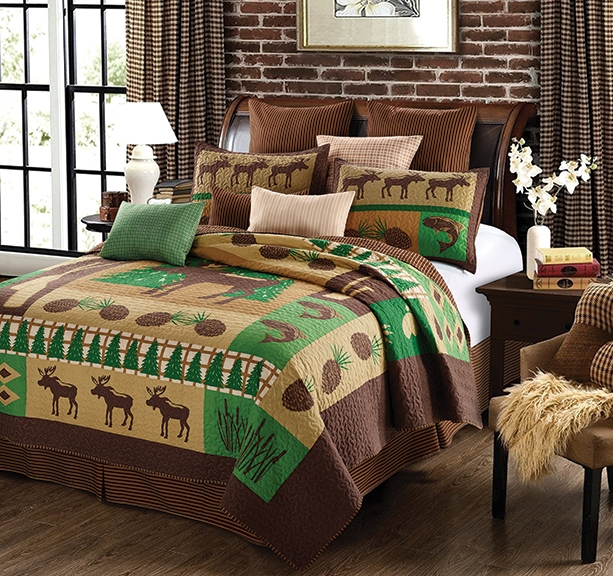 Moose Wilderness Green and Brown Rustic Quilt and Sham Set - Queen / Full Size