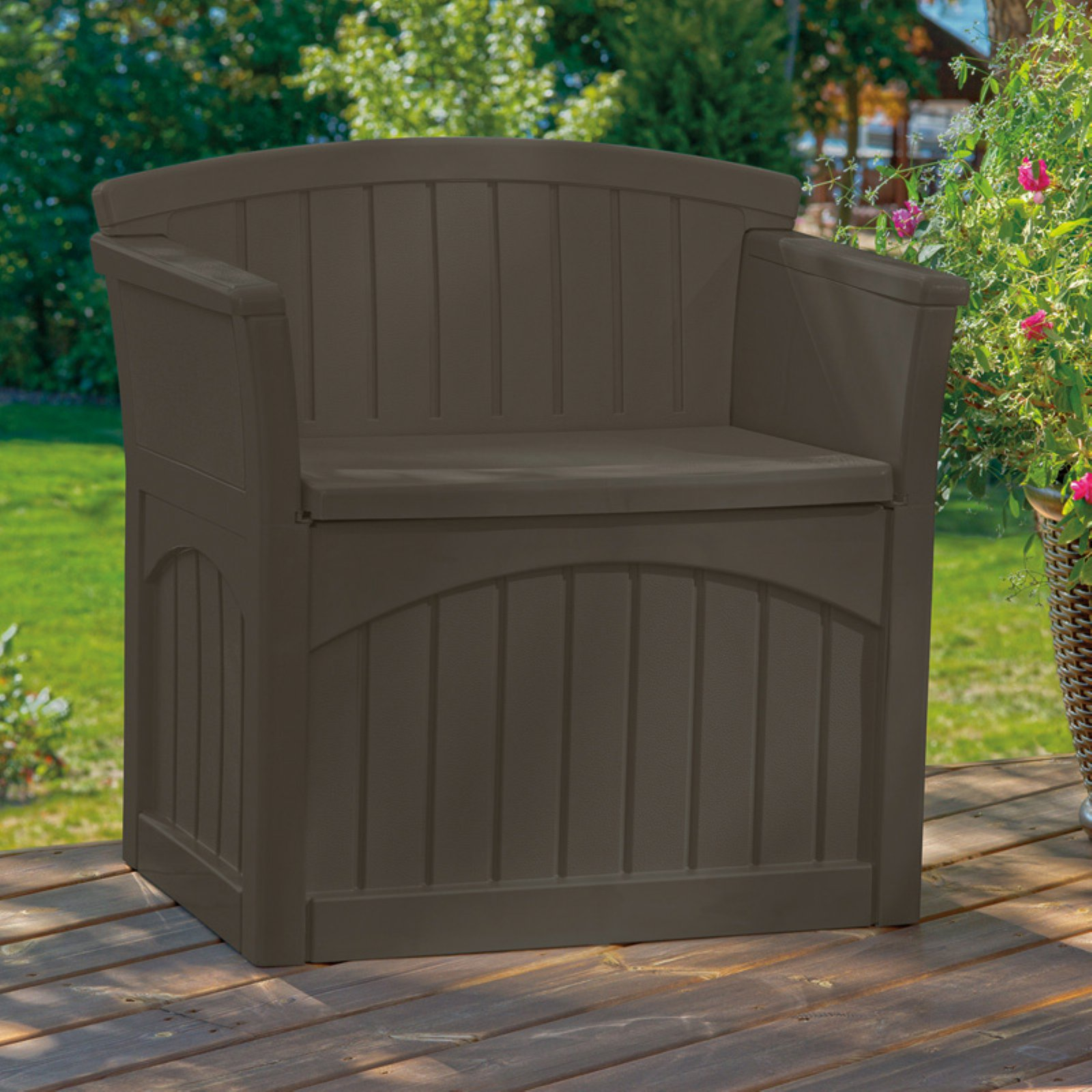 Suncast 31 Gallon Patio Seat