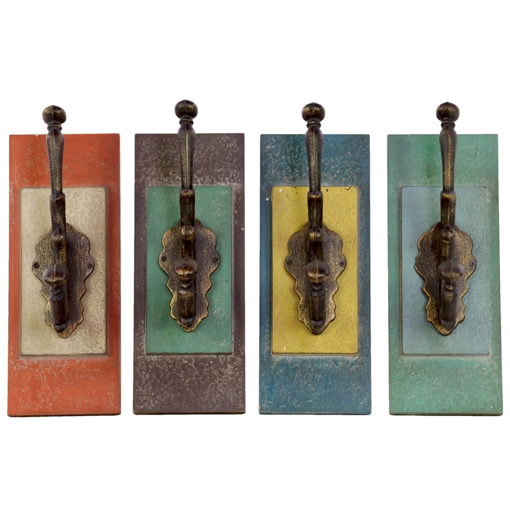33093-Ast A Set Of 4 Metal Coat Hanger With Wood Wall Mount