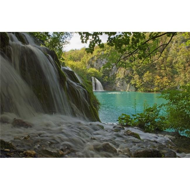 Posterazzi DPI1879297LARGE Waterfall At Plitvice National Park In Croatia Poster Print, 34 x 22 - Large - image 1 de 1