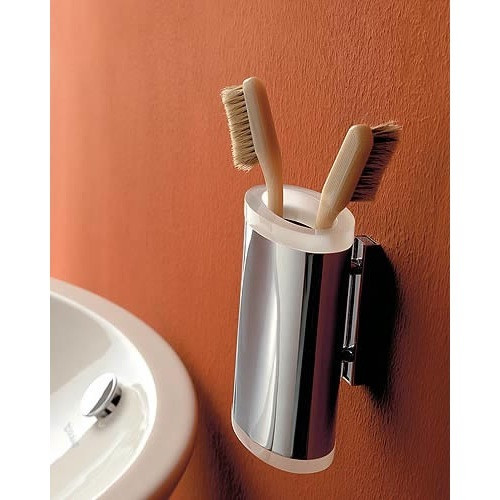 Toscanaluce by Nameeks Kor Wall Mounted Round Plexiglass Toothbrush Holder