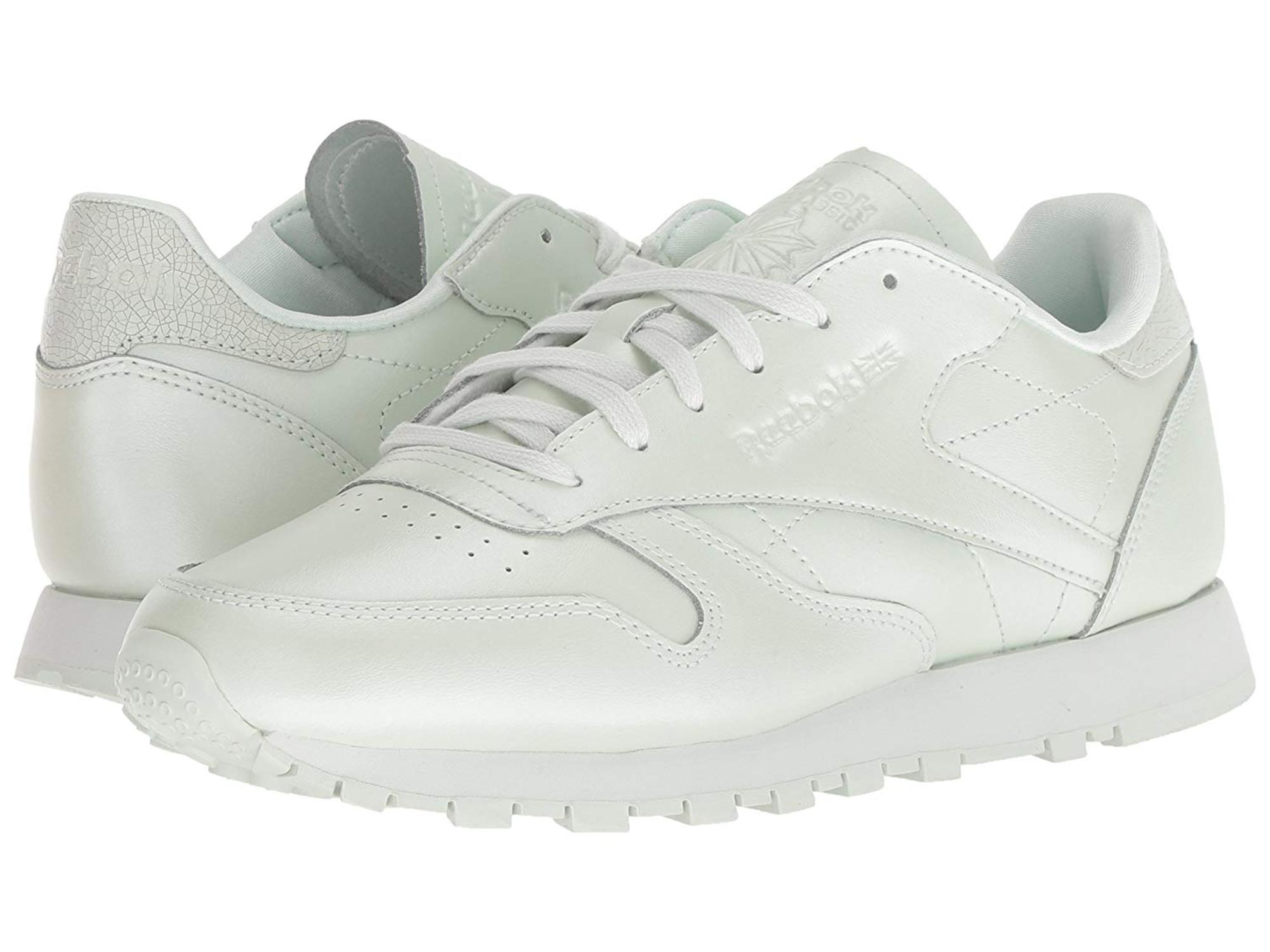 5576f693aa2101 Reebok Womens Classic Leather Low Top Lace Up Running