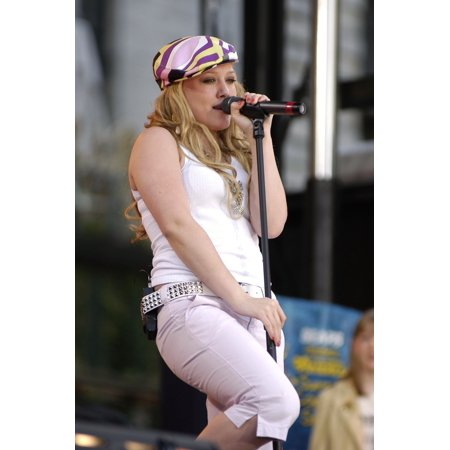 Park City Live Halloween (Hilary Duff Performs Live On Good Morning America Summer Concert Series In Bryant Park On July 16 2004 In New York City )
