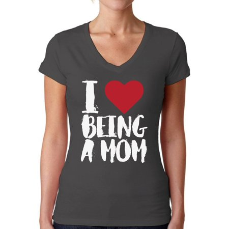 Awkward Styles Women's I Love Being A Mom Heart V-neck T-shirt White Mother's Day Gift