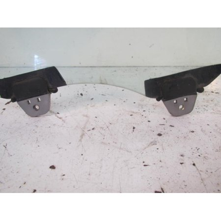 Pre Owned Original Part RIGHT REAR DOOR GLASS 98 99 00 01 02