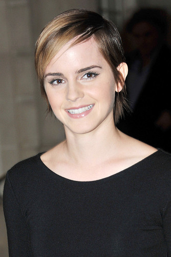 Emma Watson Poster 24x36in cropped hair