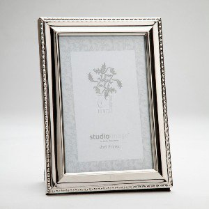 4x6 silver plated picture photo frame with beaded trim design standing horizontal or vertical. Black Bedroom Furniture Sets. Home Design Ideas