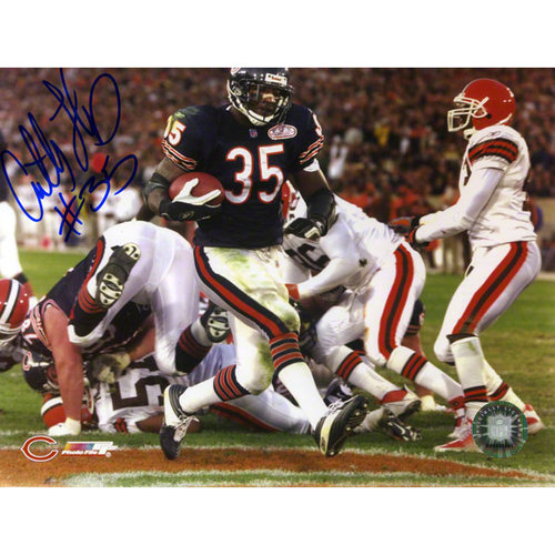 NFL - Anthony Thomas Autographed 8x10 Photograph   Details: Chicago Bears
