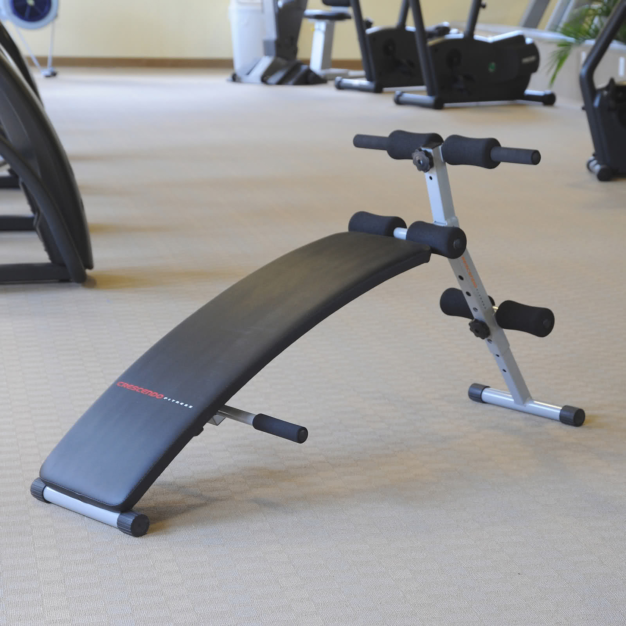 Crescendo Fitness Curve Sit-Up Bench
