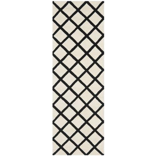 Safavieh Chatham Ivory & Black Area Rug