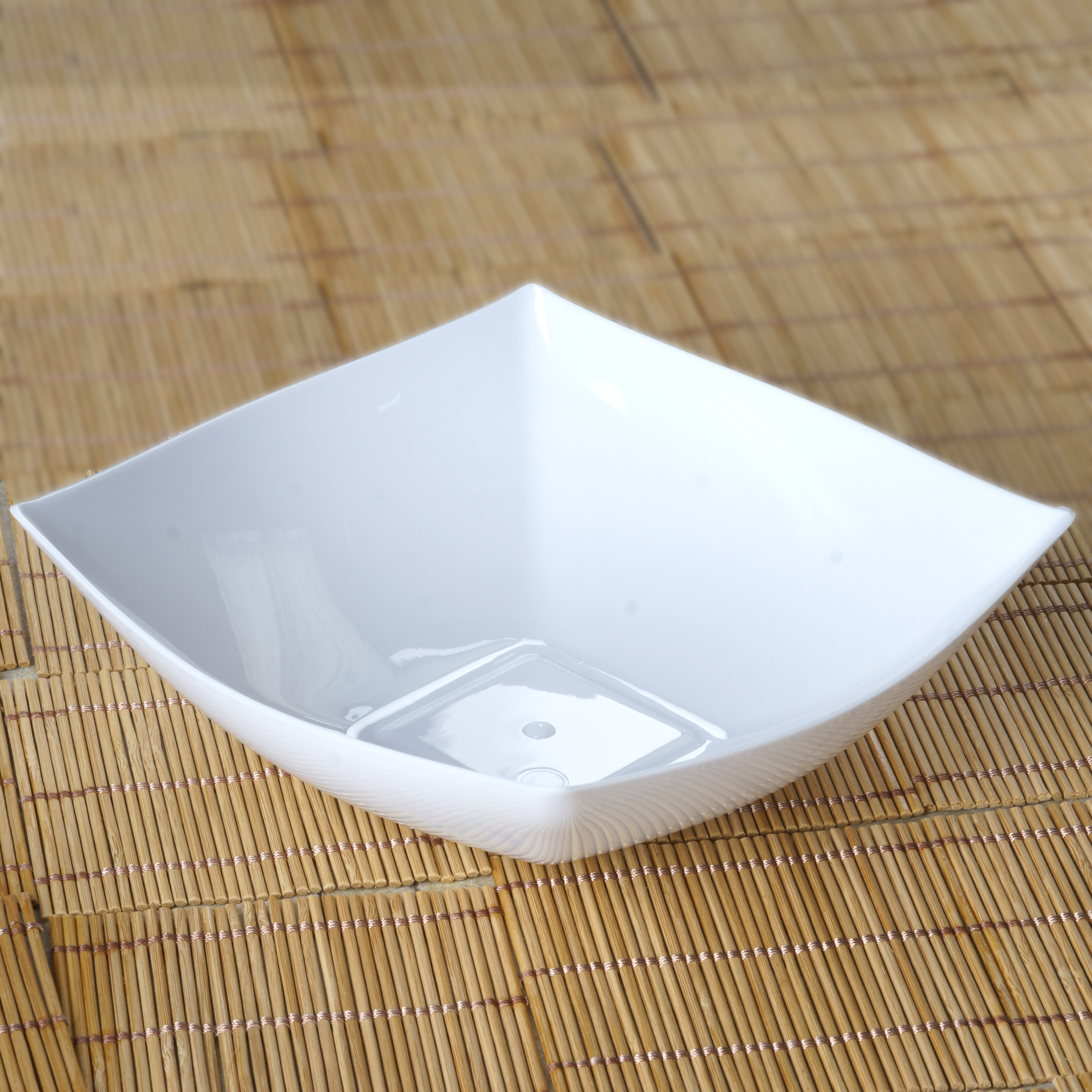 "BalsaCircle 4 pcs 7.5"" wide 32 oz Disposable Square Plastic Serving Bowls -  Party Tableware"