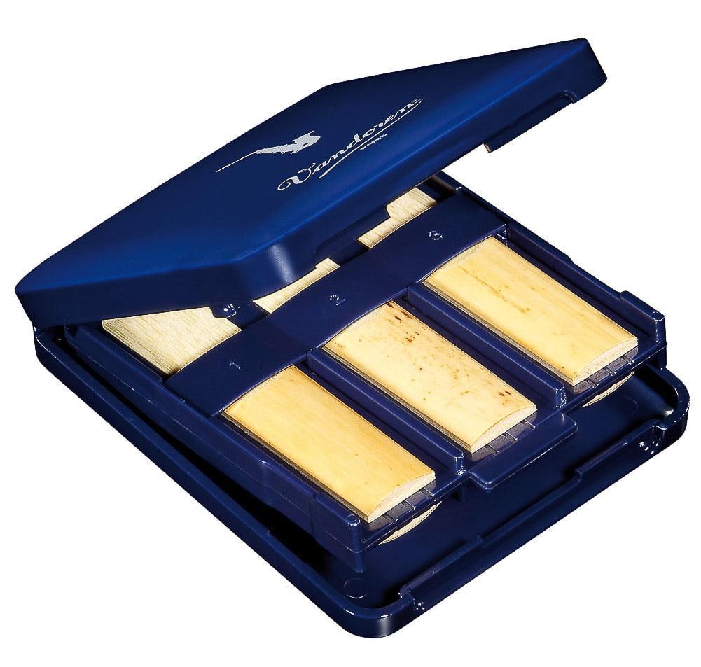 Vandoren Alto Sax Alto Clarinet Reed Case; Holds 6 Reeds by Vandoren