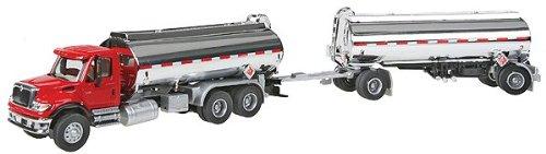 Walthers SceneMaster International 7600 DBL Tanker