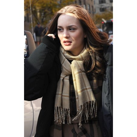 Leighton Meester On Location For Gossip Girl Season Three Shooting In Manhattan Central Park West At 63Rd Street New York Ny November 18 2009 Photo By Kristin CallahanEverett Collection Celebrity