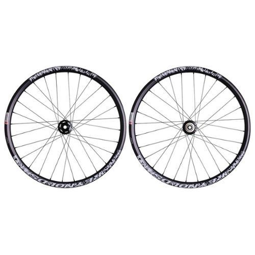 2011 Reynolds AM Carbon Tubeless MTB Wheelset 26in 10/15mm 28-spoke Disc