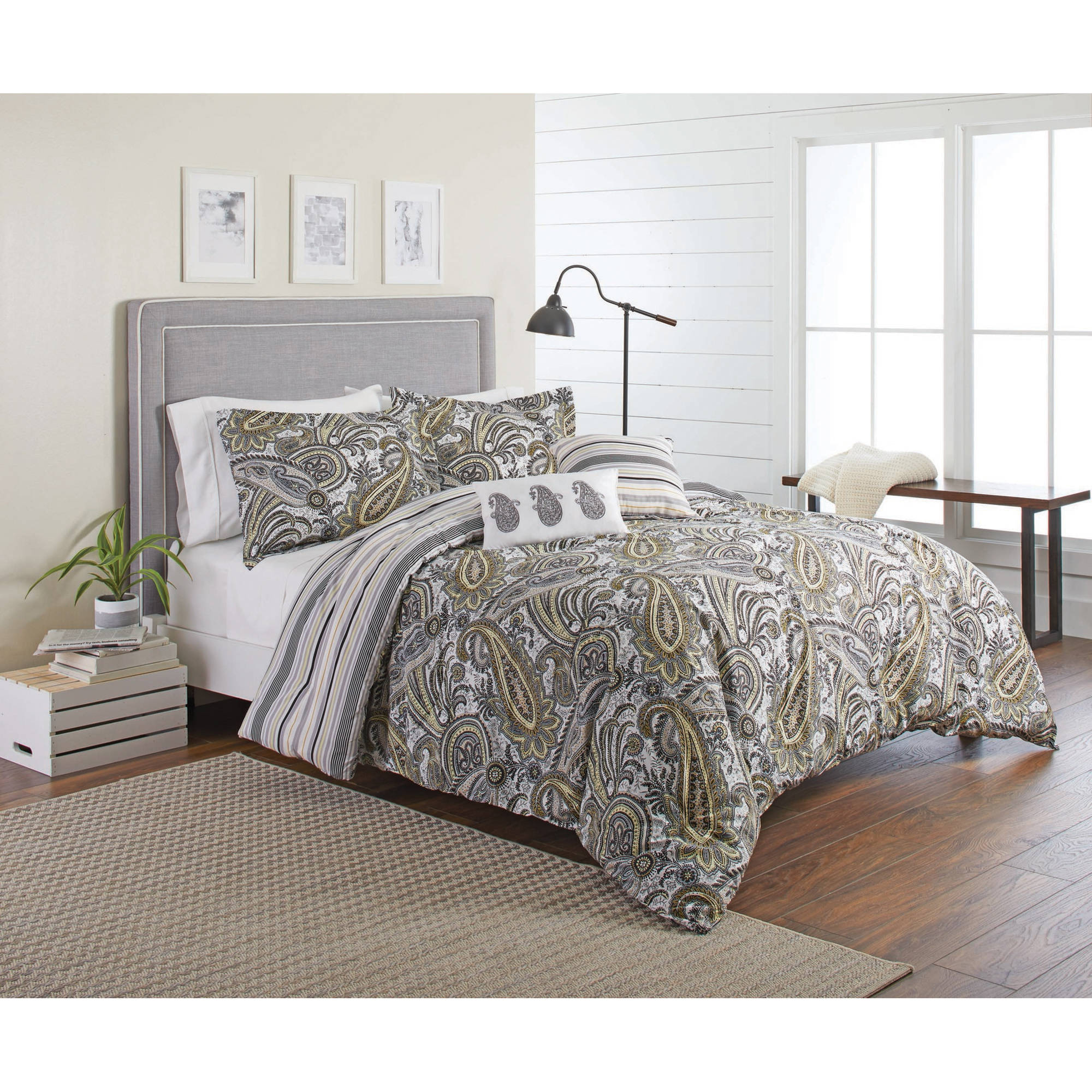Better Homes and Gardens Black and Gold Paisley 5-Piece Comforter Set, Full/Queen