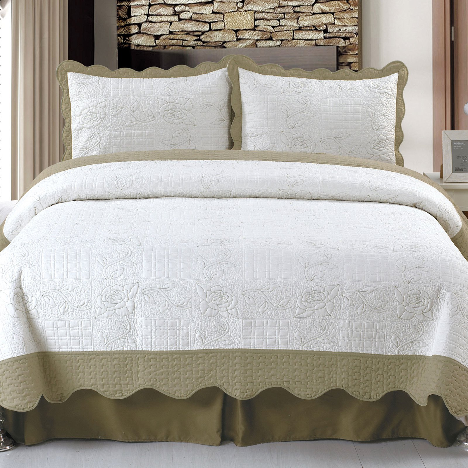 Lavish Home Jeana Embroidered Quilt Set