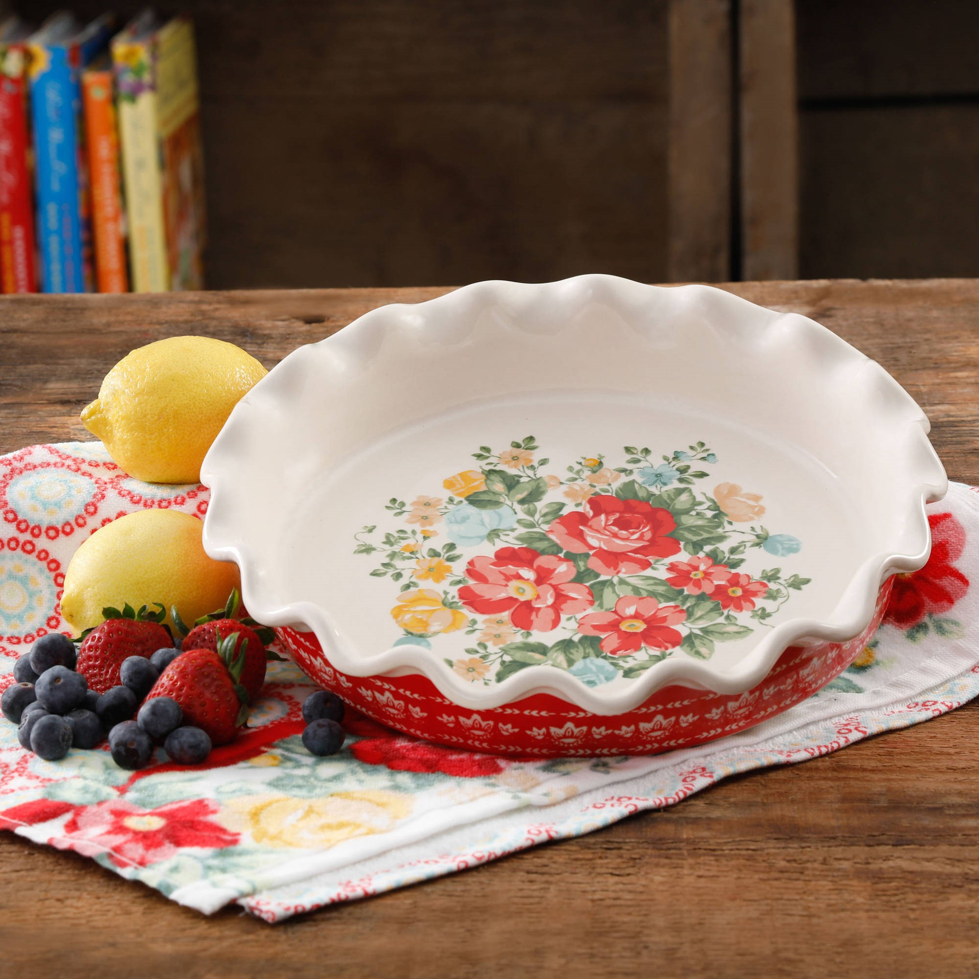 "The Pioneer Woman Vintage Floral 9"" Pie Plate"