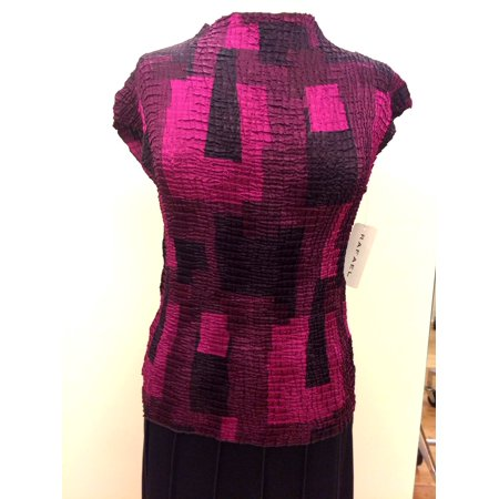 - Wine And Black Pleated Geometric Print Funnel Neck Top With Cap Sleeves (Style# 18921)