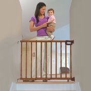 Summer Deluxe Stairway Simple to Secure Wood Gate