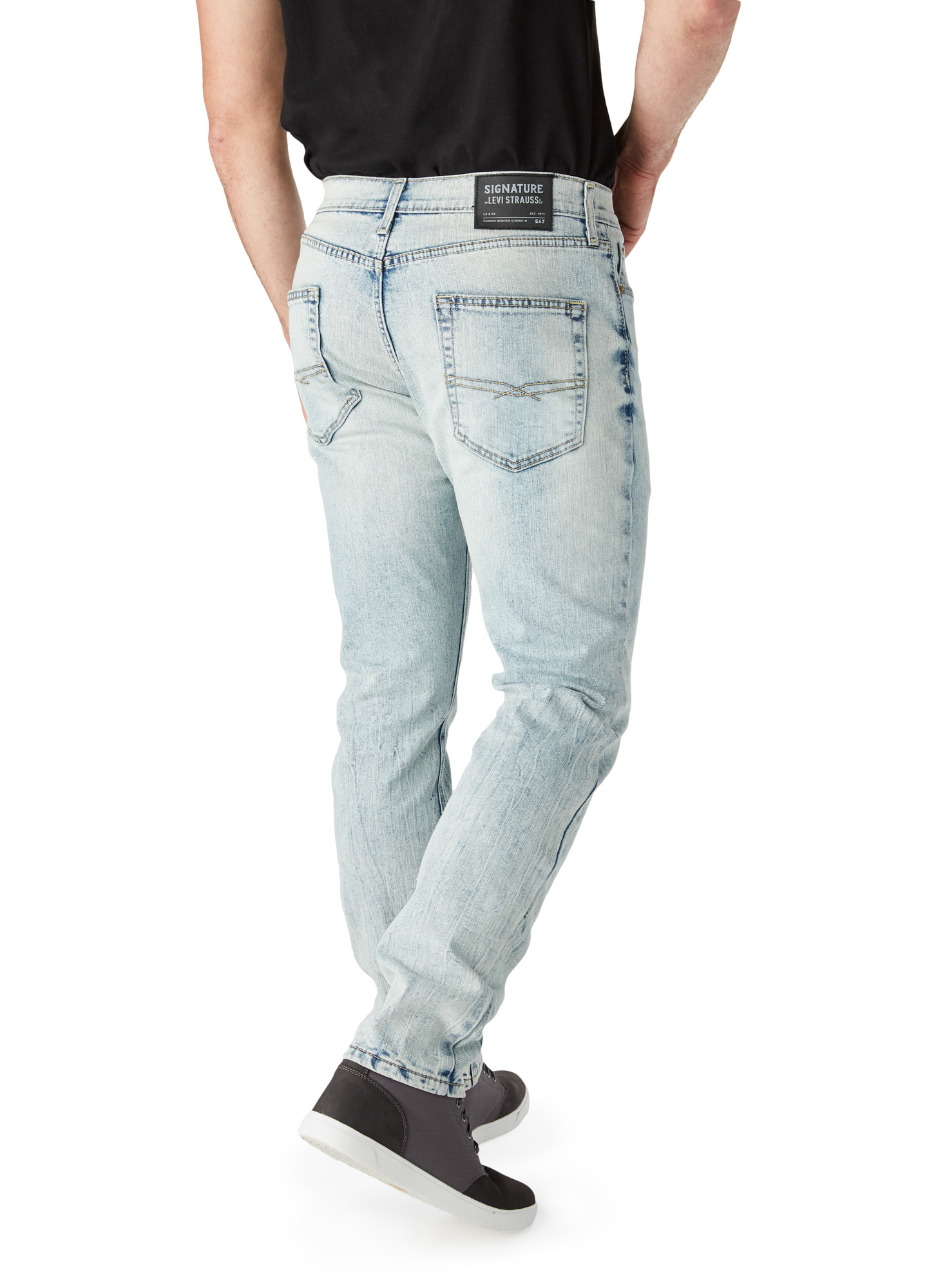 cf510c60c4c Signature by Levi Strauss & Co. - Men's S47 Regular Taper Fit Jeans -  Walmart.com