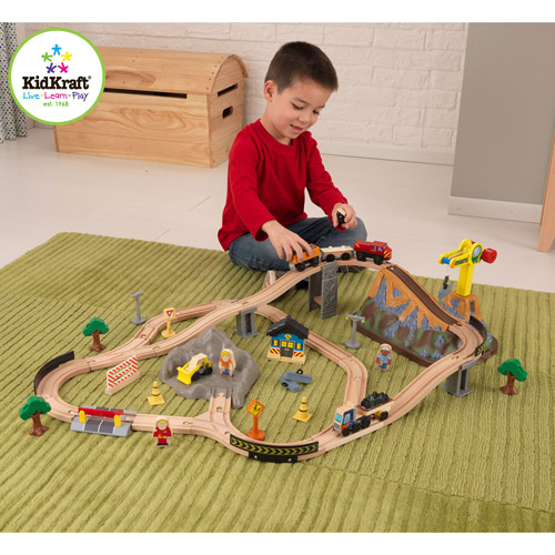 KidKraft Bucket Top Construction 61-Piece Train Set