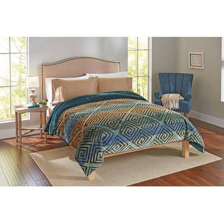 Image of Better Homes and Gardens Labyrinth Velvet Plush Sculpted Comforter