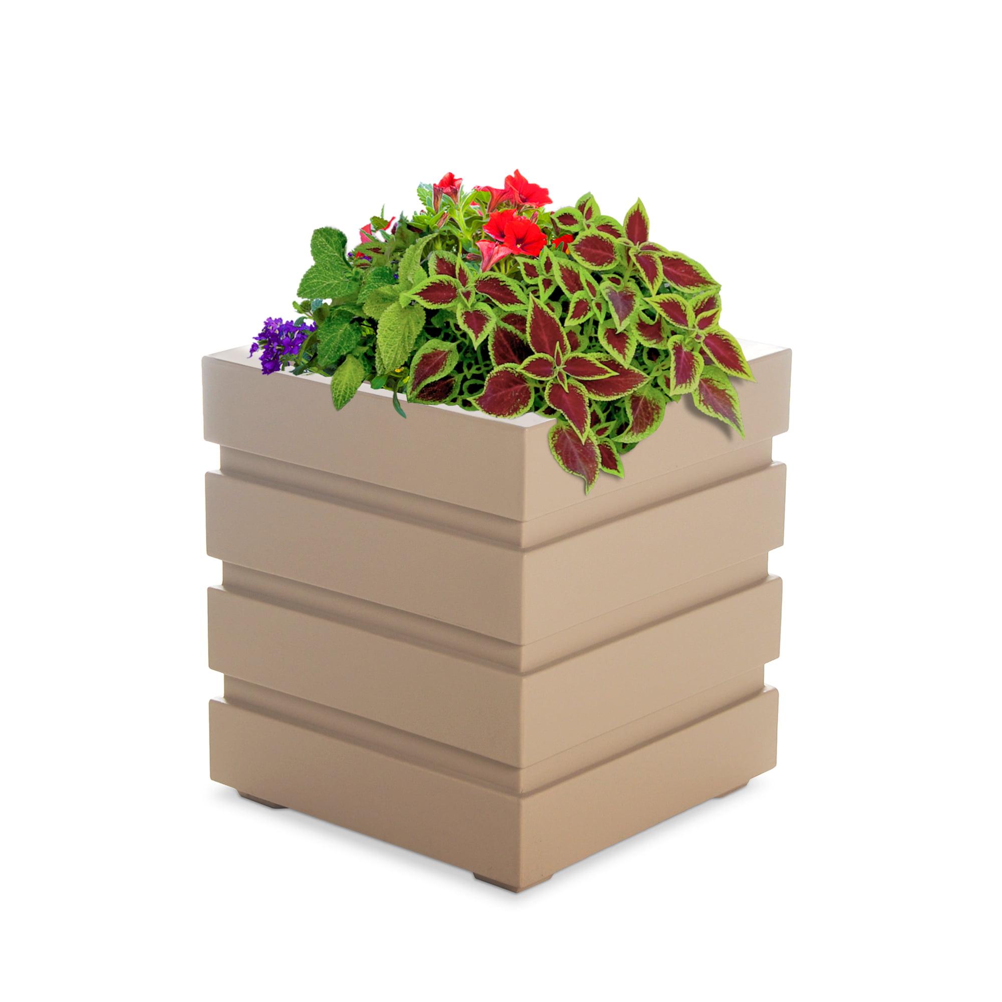 Freeport Patio Planter 18x18 - Clay