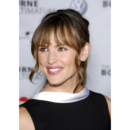 Jennifer Garner At Arrivals For The Bourne Ultimatum Premiere Arclight Cinerama Dome Los Angeles Ca July 25 2007 Photo By Michael Germanaeverett Collection Photo Print