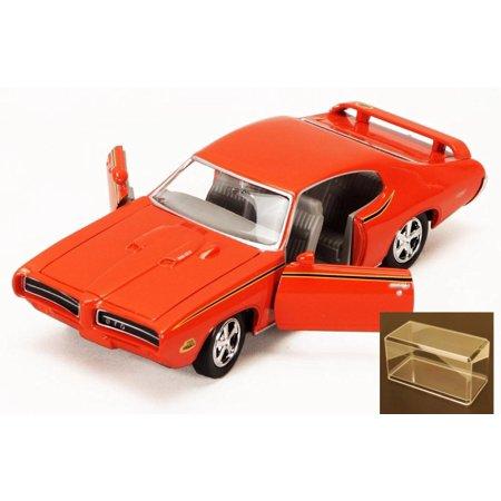 Diecast Car   Accessory Package   1969 Pontiac Gto Judge  Orange   Motormax Premium American 73242   1 24 Scale Diecast Model Car W Display Case