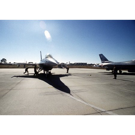 LAMINATED POSTER A U.S. Air Force F-16 Fighting Falcon prepares to taxi out for take-off from Tyndall Air Force Base, Poster Print 24 x 36