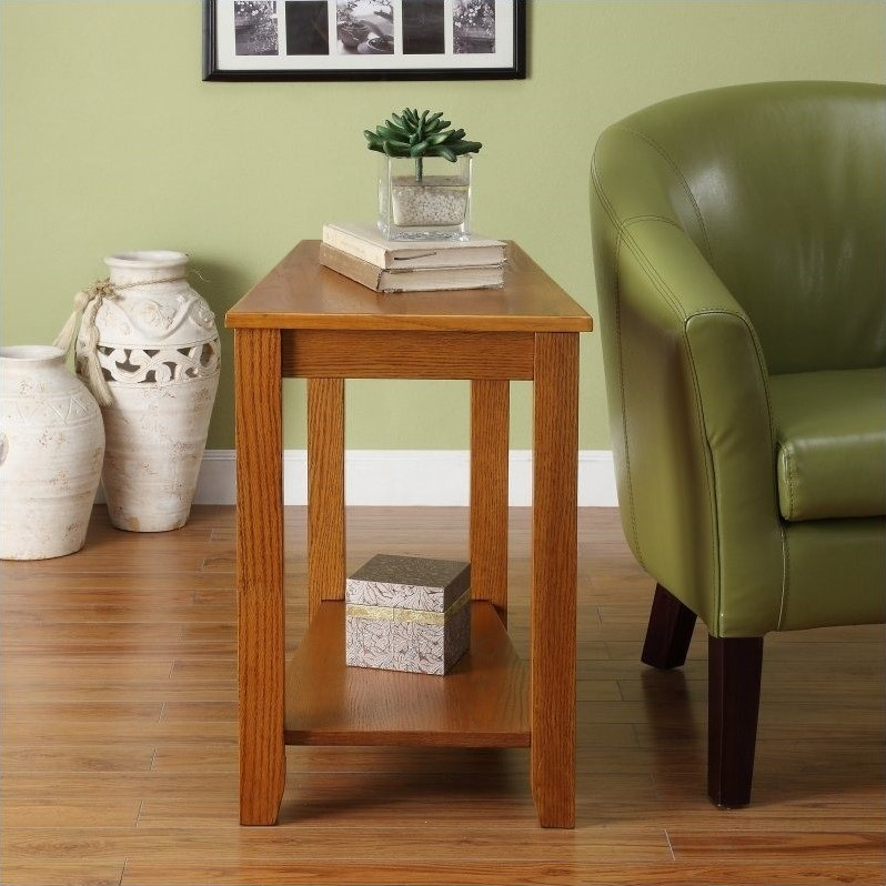 Trent Home Elwell Chair-Side Table in Oak