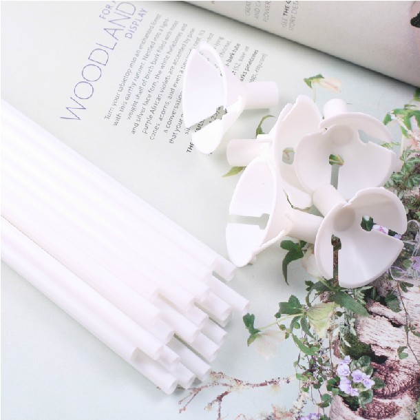100x White Plastic Balloon Sticks and Cups for Party Supplies Wedding Decorations