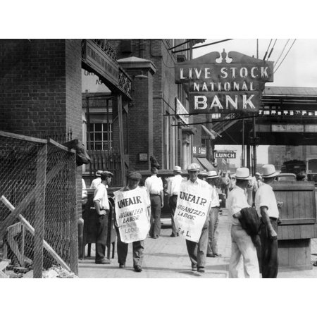 Strike Of 700 Members Of The Stock Handlers Union They Unloaded And Fed The Cattle In The Chicago Stock Yards July 4 History