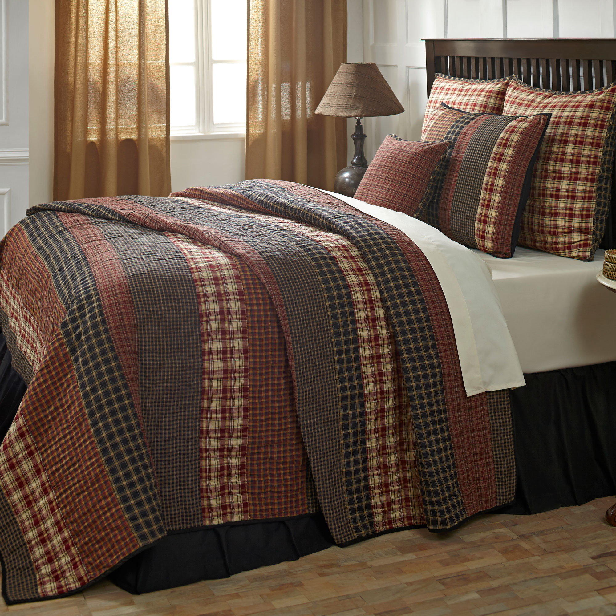 Victorian Heart Beckham 3 Piece Country Quilt Set