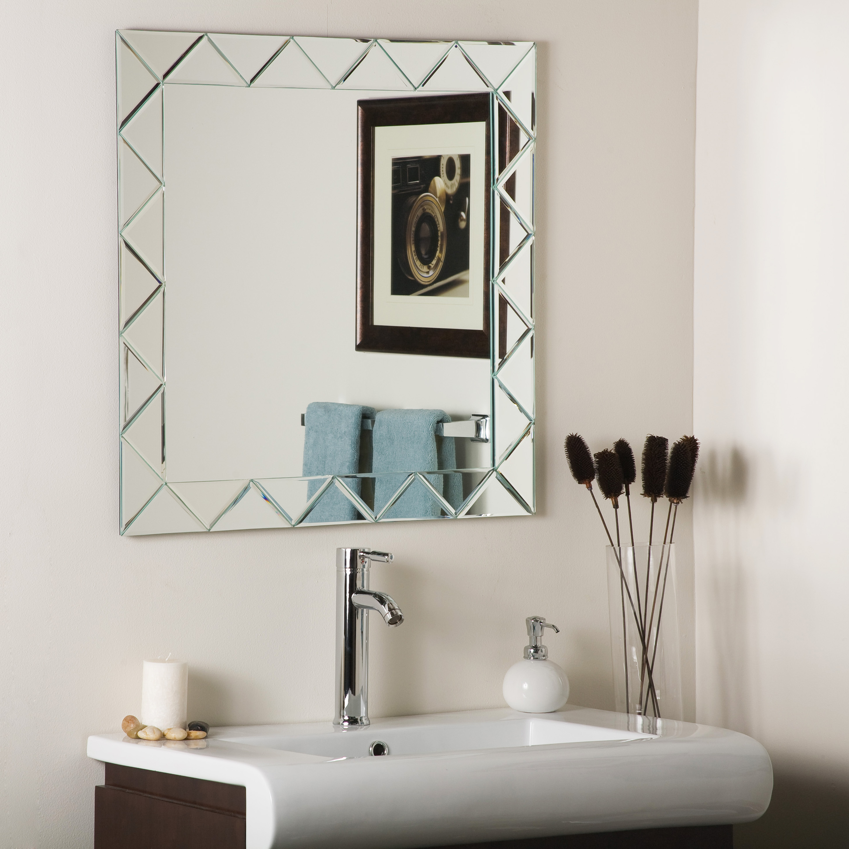 Décor Wonderland Luciano Frameless Wall Mirror 27.6 inx27.6 in