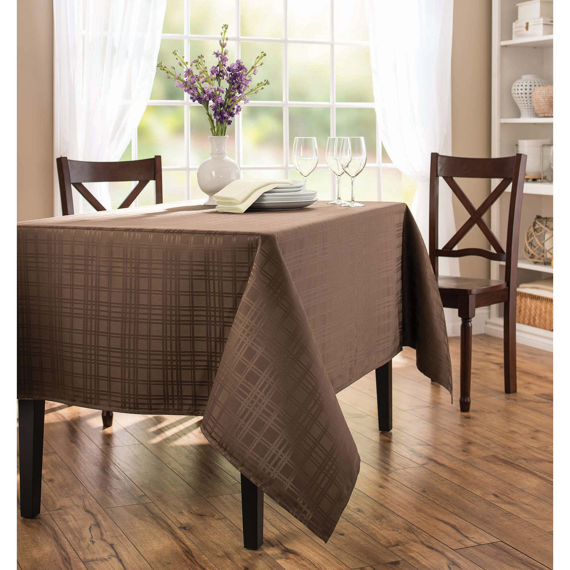 Better Homes and Gardens Microfiber Table Cloth