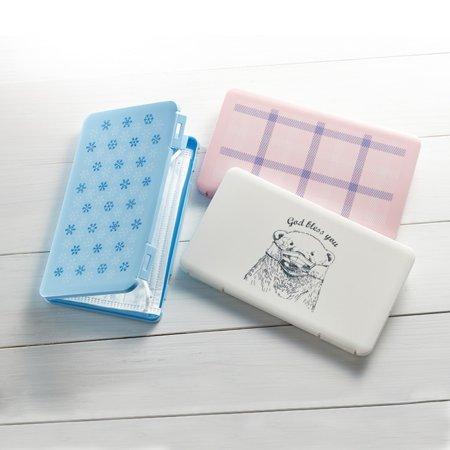 Bluelans Portable Dustproof Buckle Face Mask Storage Container Organizer Seal Box Case